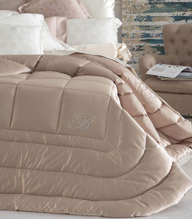 letto-homewear-2-comodus-arredamenti-nicoletti-interni-interior-design-divani-complementi-arredo-mobili-design-accessori-matera