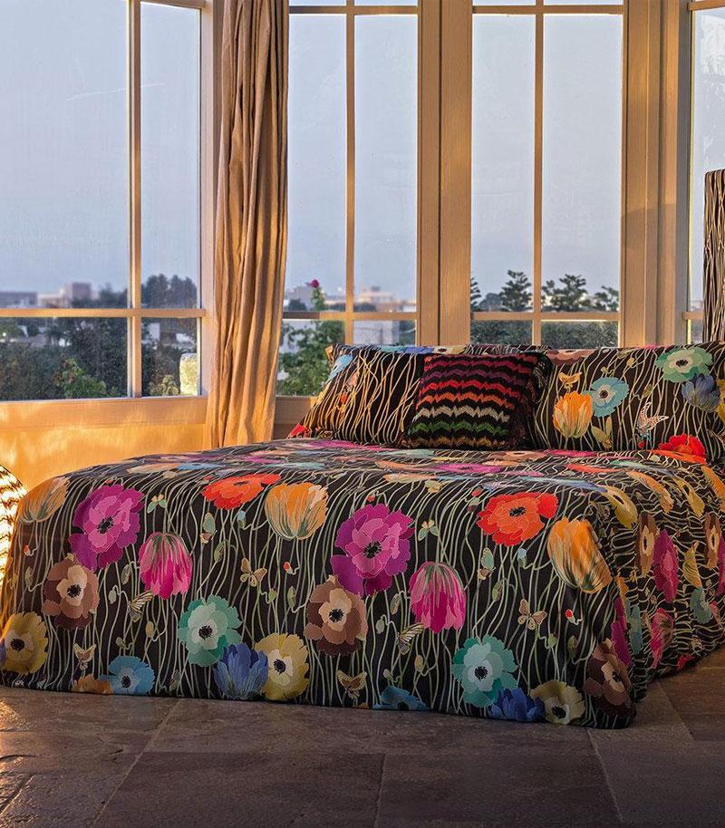 letto-homewear-4-comodus-arredamenti-nicoletti-interni-interior-design-divani-complementi-arredo-mobili-design-accessori-matera